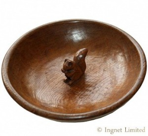 WILF SQUIRRELMAN HUTCHINSON OF HUSTHWAITE CARVED OAK FRUIT BOWL 1