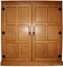 ROBERT MOUSEMAN THOMPSON OAK TWO DOOR ENCLOSED CUPBOARD