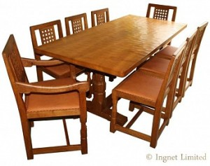 ROBERT MOUSEMAN THOMPSON OAK DINING TABLE AND EIGHT LATTICE BACK CHAIRS INCLUDING TWO ARM CHAIRS 1