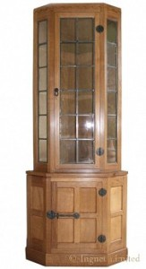 ROBERT MOUSEMAN THOMPSON OAK CORNER DISPLAY CUPBOARD 1