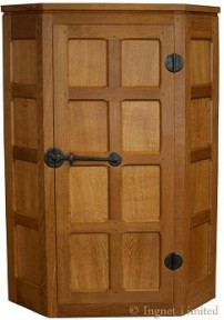 ROBERT MOUSEMAN THOMPSON MODERN SMALL OAK CORNER WALL CUPBOARD