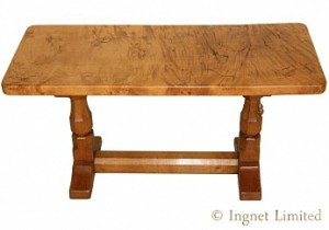 ROBERT MOUSEMAN THOMPSON SOLID OAK COFFEE TABLE WITH RARE BURR TOP 1