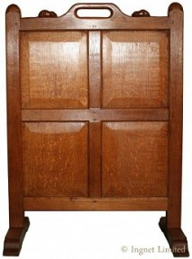 ROBERT MOUSEMAN THOMPSON VINTAGE OAK FIRESCREEN WITH TWO CARVED SIGNATURE MICE