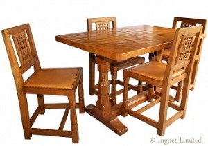 ROBERT MOUSEMAN THOMPSON RARE REFECTORY STYLE 4 FOOT OAK DINING TABLE WITH 4 LATTICE BACK DINING CHAIRS 1