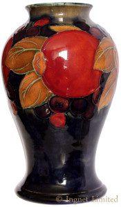 a2641 Moorcroft Pomegranate Vase